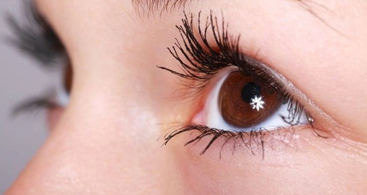 know-here-how-to-apply-eyelash-extensions-yourself